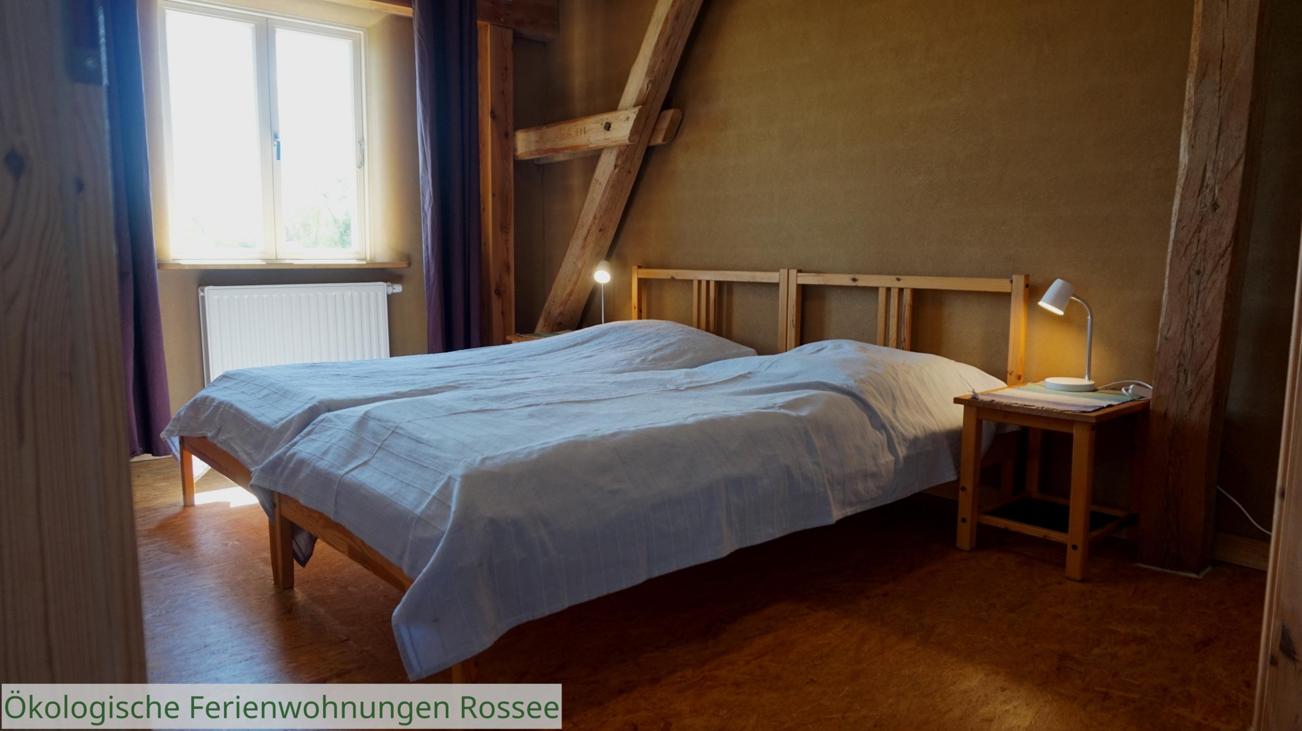 Schlafzimmer 1 2 Betten nebeneinander